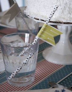 Decorate your straws with paper ribbon!