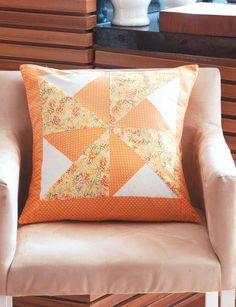 Almofada laranja de patchwork
