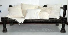 Sofa éthiopien chez Dana Esteline