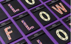 L'équipe créative a développé tout un système avec pour principaux éléments, des illustrations à la main, une typographie sur mesure et une palette de couleurs fluo. Ces ingrédients réunis apportent aux visuels un esprit attachant et décalé, naïf et primitif.