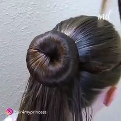 A wide range of bun hairstyles you can try out! By: Princess Hairstyles Trendfrisuren Bun Hairstyles For Long Hair, Braids For Long Hair, Braided Hairstyles, Videos Of Hairstyles, 2 Buns Hairstyle, Hair Buns, Prom Hairstyles, Hairstyle Ideas, Short Hair