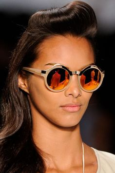 Be on trend with round frames. #retro
