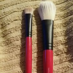 Bundle of 2 Hakuho-do & Sephora Pro Brushes 1 concealer brush, and one cheek brush. Paid over 75 for both. High end Japanese company with the famous Sephora Pro brand. Excellent condition.  All Brushes have been professionally washed and conditioned. High https://padwage.com/products/2016-hot-sale-makeup-brushes-professional-make-up-brushes-powder-blush-brush-facial-care-cosmetics-foundation-brush-1pcs-65007