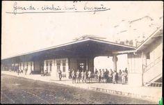 Bakırköy istasyonu şimdi binemiyoruz lisedeyken çok kullanmıştım bu istasyonu zaman geciyor...