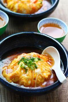 手軽に作る天津飯♪とろとろウマい!ペロリといける!笑 お酢入れず酸味の無いタイプ。お好みで、食べる時にお酢を垂らします♪