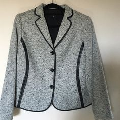 NWOT Jones New York Collection Woman Size 16WP New no tags , perfectly beautiful jacket with faux leather trimming,Size 16 Woman Petites Jones New York Jackets & Coats