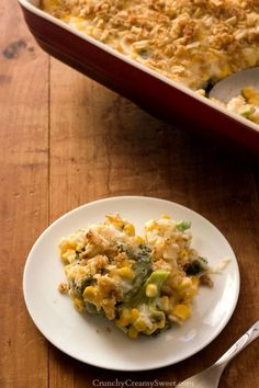 Creamy and Cheesy Broccoli and Corn Casserole - cheesy veggie packed casserole with crunchy breadcrumb topping. Great side dish to grilled chicken!