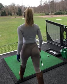 Double posting because it's a Saturday night and I'm feeling reckless Sexy Golf, Night Routine, Ladies Golf, Female Athletes, Saturday Night, Healthy Lifestyle, Sexy Women, Abs, Songs