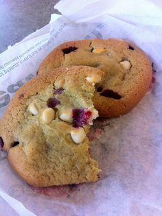 Subway Raspberry Cheesecake Cookies Wanted The White Chunk Macadamia Nut Cookies And Got