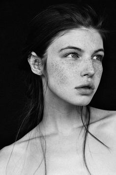17 Photos That Prove Women With Freckles Are Beautiful | Natural Beauty Looks That Will Inspire You! by Makeup Tutorials at http://makeuptutorials.com/photos-that-prove-women-with-freckles-are-beautiful/