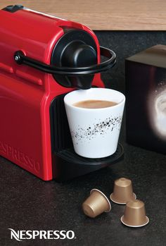 This holiday season, give your Grand Crus the star treatment in our Limited Edition Ritual Mugs. A cup of coffee is never complete without the right accessories, and these Nespresso mugs are no exception. Coffee Is Life, I Love Coffee, Hot Coffee, Nespresso, Starbucks, Cake Cafe, Coffee Accessories, Fun Drinks, Beverages