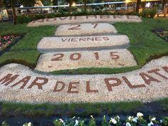 Plaza San Martín #MarDelPlata #MDQ #Calendario #almanaque #Day #Month #almanac  #almanach #calendrier #calendar # mois #jour #flores #flowers #fleurs