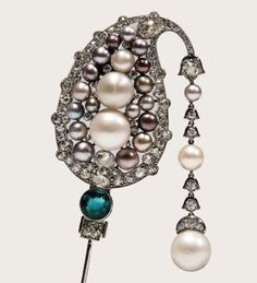 """A favorite from Sotheby's Geneva Magnificent Jewels and Noble Jewels sale is this natural pearl, emerald and diamond jabot pin by Cartier, circa Art Deco Jewelry, Pearl Jewelry, Antique Jewelry, Vintage Jewelry, Jewelry Design, Emerald Necklace, Emerald Rings, Ruby Rings, Emerald Diamond"