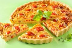 Need a recipe for a savory snack? Try this feta and tomato tart recipe for a delicious baked treat today. Stork – love to bake. Baking Tips, Baking Recipes, Feta, Tomato Tart Recipe, Party Buffet, Latest Recipe, Savory Snacks, Food And Drink, Healthy Eating