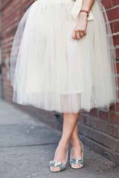 Tulle Skirt & Bow pumps #romantic #fashion