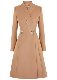 See this and similar STELLA McCARTNEY coats - Stella McCartney camel wool coat Stand collar, button embellishments, fully lined Concealed press stud fastening a.Stella McCartney camel wool coat Stand collar, button embellishments, fully lined Conceal Long Beige Coat, Long Wool Coat, Long Coats, Long Winter Coats, Coat Outfit, Coat Dress, Mode Hijab, Mode Vintage, Mode Outfits