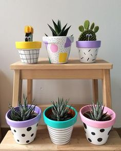 Painted pots diy - 25 Creative DIY ideas with beautiful pots to welcome Spring – Painted pots diy Painted Plant Pots, Painted Flower Pots, Decorated Flower Pots, Fleurs Diy, Flower Pot Crafts, Clay Pot Crafts, Diy Clay, Plant Painting, Coffee Plant