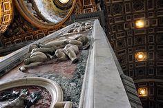 L'intérieur de la Basilique Saint Pierre à Rome