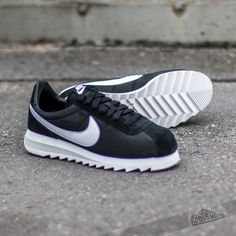 Nike Wmns Classic Cortez Nylon Black/Metallic Silver