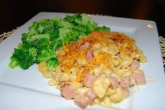 KID-FRIENDLY DINNER: BAKED MACARONI & CHEESE WITH HAM - Made with organic, low-fat cheese and milk plus whole wheat pasta, it's healthy too!