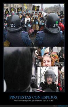 Los policías también son parte del pueblo - Para recordar a los policías que  también son parte del pueblo   Gracias a http://www.cuantarazon.com/   Si quieres leer la noticia completa visita: http://www.skylight-imagen.com/los-policias-tambien-son-parte-del-pueblo-para-recordar-a-los-policias-que-tambien-son-parte-del-pueblo/