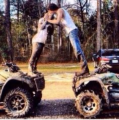 Country Engagement Photos Wedding pictures, not in the dress but very cute. Maybe engagement photos? Cute Country Couples, Country Couple Pictures, Country Girl Quotes, Cute N Country, Photo Couple, Cute Couple Pictures, Cute Couples Goals, Country Girls, Couple Pics
