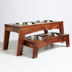 Modern walnut dog food and water bowls. Come in maple, oak, walnut and hickory. Oh Dier!