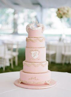 Photography: Ashley Upchurch - ashleyupchurchphotography.com/ Wedding Cake: The Flour Garden - www.facebook.com/FlourGarden   Read More on SMP: http://stylemepretty.com/vault/gallery/32251
