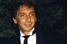 Barry Manilow Comes Out as Gay, in a Four Decade Relationship ...