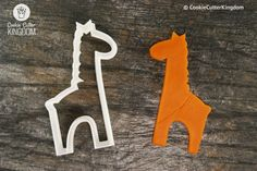 The Giraffe Baby Cookie Cutter reaches for the sky in the most adorable way possible. Perfect for baby showers. PRECISION:We use a sharp .6mm edge that will produce the finest cuts into cookie dough,