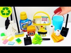 How to Make Real Working Miniature Cleaning Supplies - 10 Easy DIY Miniature Doll Crafts Miniature Kitchen, Miniature Crafts, Miniature Dolls, Miniature Bottles, Dollhouse Tutorials, Diy Dollhouse, Dollhouse Miniatures, Lps, Barbie Dolls Diy