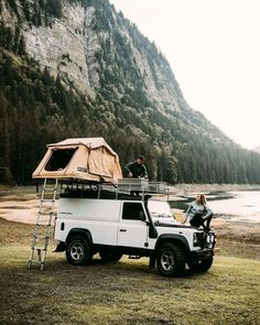 , - Reisen - Camping World Adventure Awaits, Adventure Travel, Tenda Camping, Life Hacks, Road Trip, Photos Voyages, Camping Life, Suv Camping, Camping Friends