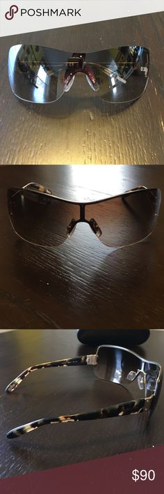 Ralph Lauren shield style sunglasses Ralph Lauren shield style sunglasses with tortoise shell style arms. Purchased from Sunglasses Hut. The lenses are a light tan. Hard shell case included. Only worn a few times and in excellent condition. Smoke free/pet free home. Ralph Lauren Accessories Sunglasses