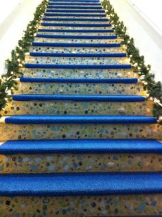 Love these mosaic stairs that I noticed at a store on Venice Avenue (Venice, Fl) Porch Steps, Stair Steps, Stair Risers, Mosaic Art, Mosaic Glass, Mosaic Tiles, Stair Art, Stair Decor, Exterior Stairs