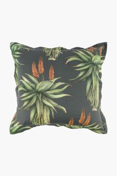 This scatter cushion with an aloe print will refresh the look of your living space with its trendy design and superior finish. Scatter cushions are a great Cushions, Decor, Decor Styles, Cushion Covers, Scatter Cushions, Printing On Fabric, Home Decor, Home Decor Shops, Prints