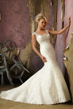 Queen Anne Church Chapel Train Mermaid Lace Wedding Dresses