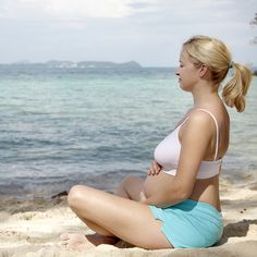 Deep Belly Meditation (1 of 5 Prenatal meditation techniques to help you stay relaxed). Try it.