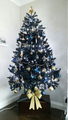 navy blue and gold christmas tree decorations 2016 christmas colour scheme - Navy And Gold Christmas Decorations