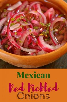 Mexican Pickled Red Onions with Habanero Peppers - the perfect accompaniment to . - Vegetable and Vegan Recipes - Mexican Dishes, Mexican Food Recipes, Vegan Recipes, Ethnic Recipes, Mexican Desserts, Picked Red Onions, Picked Onions Recipe, Pickles, Red Onion Recipes