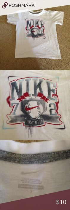 Nike shirt size 7 Excellent used condition t shirt size 7 Nike Shirts & Tops Tees - Short Sleeve