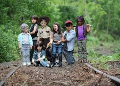 Here are some of the cutest cosplay you will ever see. These cosplay photos of kids cosplaying The Walking Dead characters is wonderfully fun. The photographer . Memes The Walking Dead, Walking Dead Characters, Fear The Walking Dead, Walking Dead Cosplay, Walking Dead Zombies, Alan Walker, Walker Art, Breaking Bad, The Walk Dead