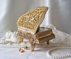 Vintage Piano Music Box by cynthiasattic on Etsy, $39.00