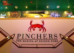 MustDo.com - top 10 dining in Fort Myers - Pinchers Crab Shack waterfront restaurant at The Marina at Edison Ford Ft. Myers, Florida. The also have 2 beautiful banquet rooms perfect for #weddings at #EdisonFord!