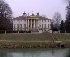 Villa Giovannelli Colonna.Riviera del Brenta .Veneto Wonderful Places, Beautiful Places, Padua Italy, Villas In Italy, Italian Villa, Venice Italy, Venetian, Indoor Outdoor, Paths