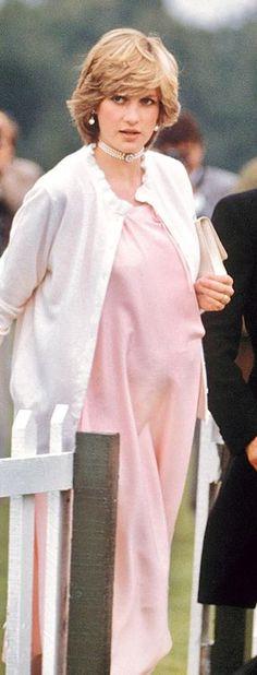 Princess Diana pregnant with William