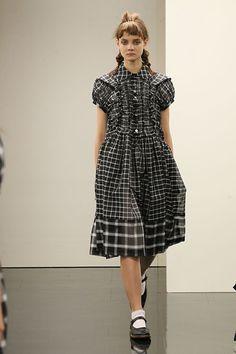 コム デ ギャルソン2016SS コレクション Gallery37 Fashion Kids, Fashion Art, Fashion Models, Fashion Brands, Fashion Outfits, Funky Outfits, Cute Outfits, Rare Clothing, Japanese Fashion Designers