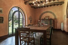Villa Del Borgo, Val d'Orcia - KATE BLACKWOOD REAL ESTATE + LIFESTYLE ITALIA