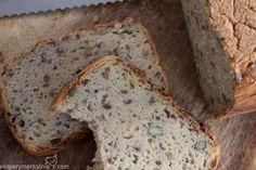 Eksperyment z chlebem bezglutenowym. Domowy, z chrupiącą skórką, pysznym. Przepis jest prosty, a chleb rewelacyjny.