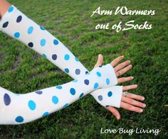 Love Bug Living: Arm warmers! Upcycle from Socks