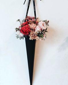 How To Wrap Flowers, Diy Flowers, Flower Decorations, Paper Flowers, Beautiful Flowers, Single Flower Bouquet, Bouquet Box, Flower Packaging, Arte Floral